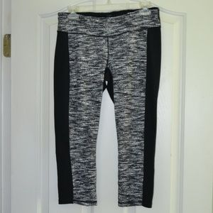 Cabi Spacedye Crop Athletic Capri Pants